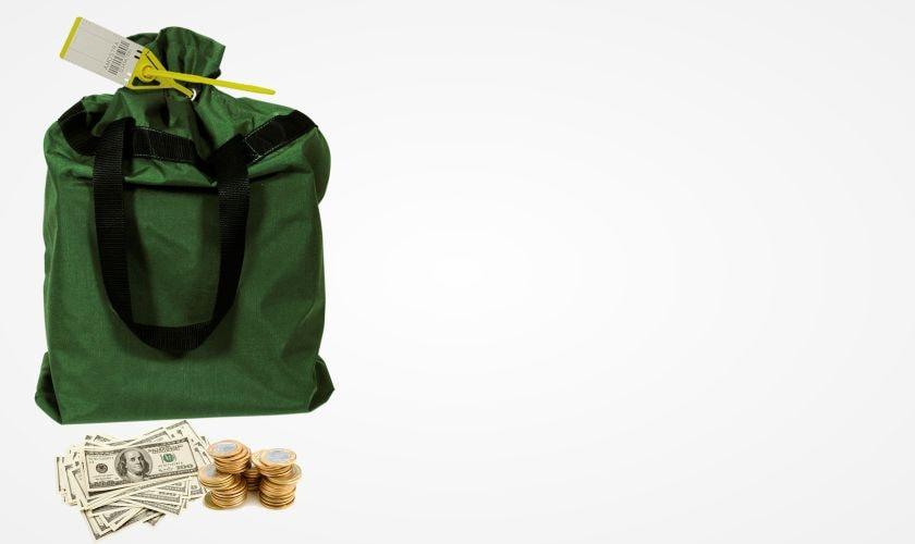 aplicacao-lacres-de-seguranca-clipinlock-transporte-de-valores-sacos-de-dinheiro